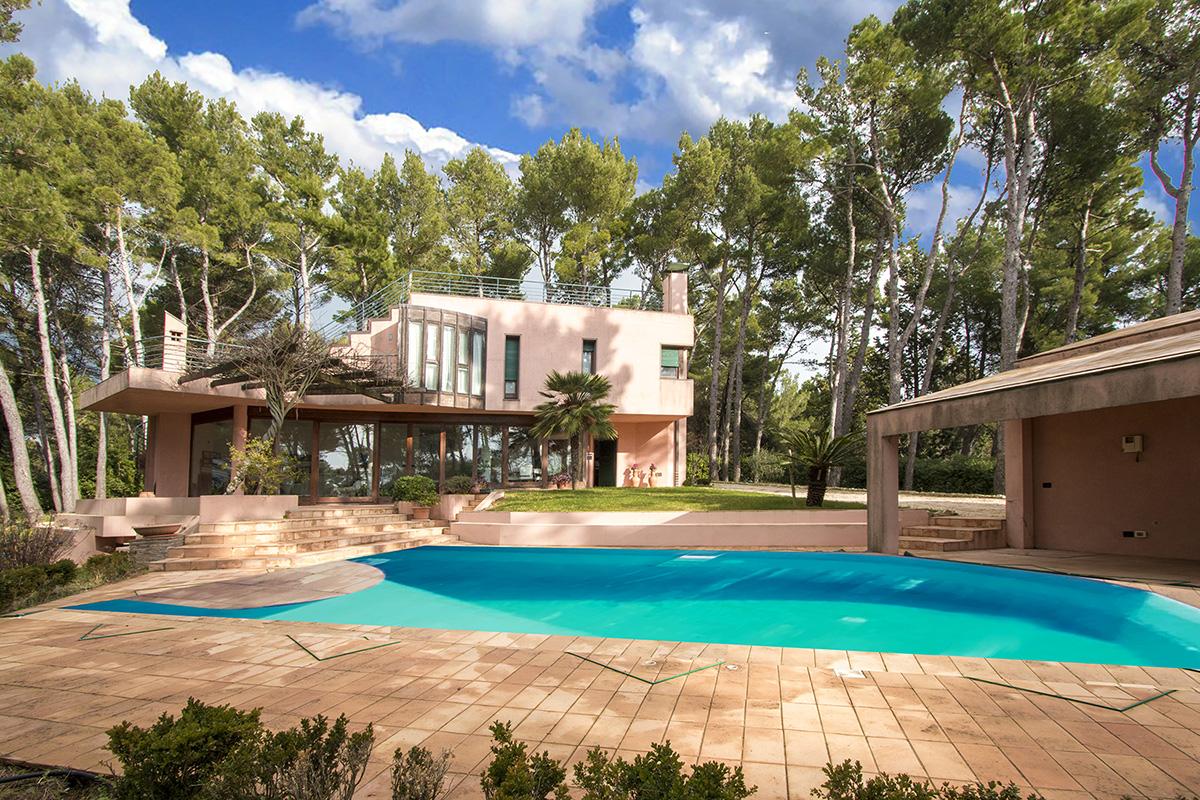 Villa nel Parco del Conero con piscina