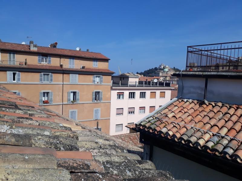 Ancona zona centro mansarda  arredata e ben rifinta