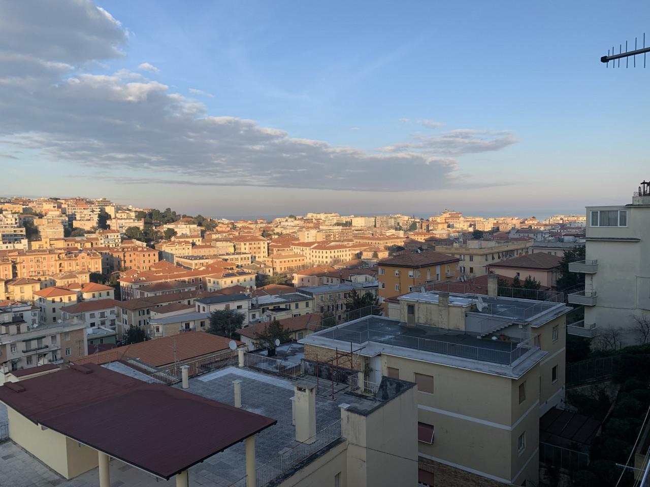 Borgo Rodi luminoso e panoramico