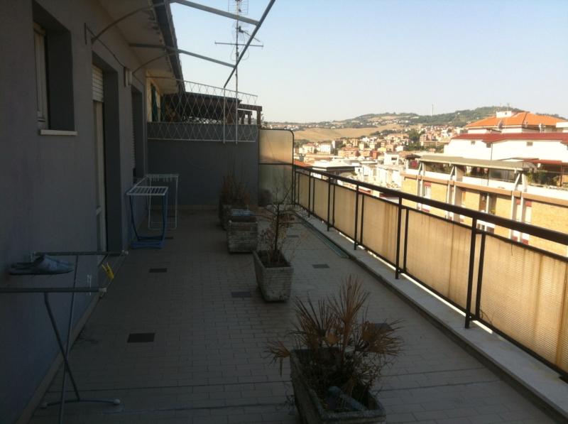 Semicentro con terrazzo