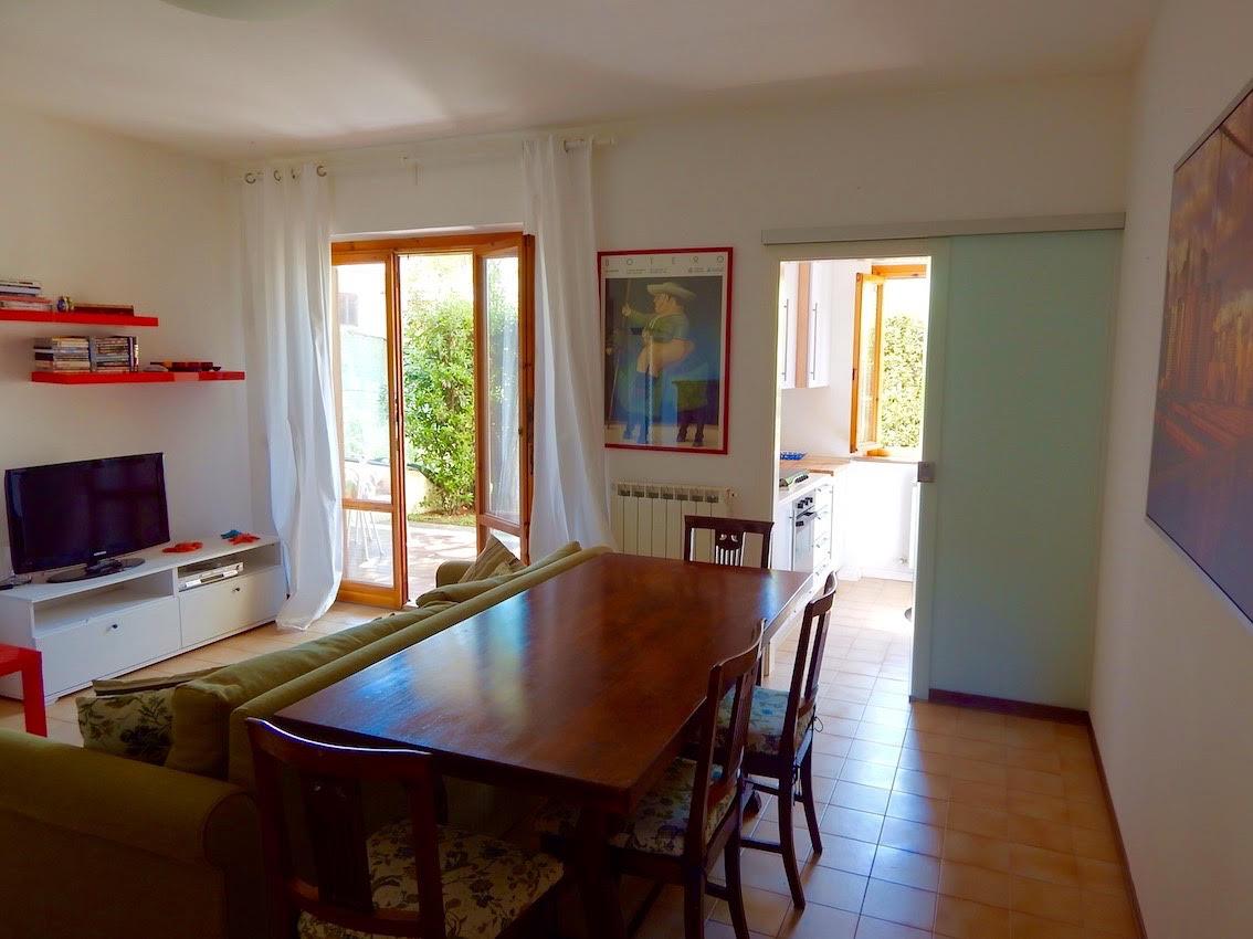 S710 Numana centro grazioso appartamento con ampio giardino, p.auto