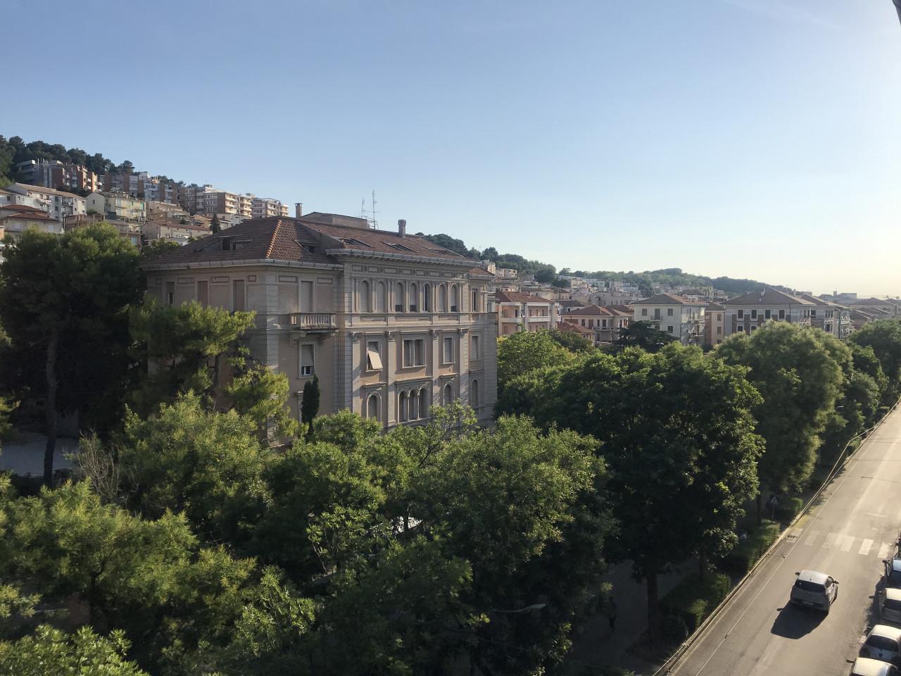 Quartiere Adriatico in zona pianeggiante vista Viale della Vittoria