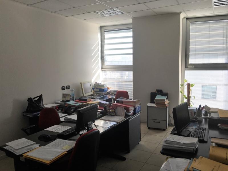 Via Totti centro direzionale Affittiamo luminoso ufficio di mq.220