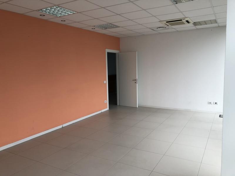 M560 Ancona Zona via Totti  affittiamo prestigioso ufficio