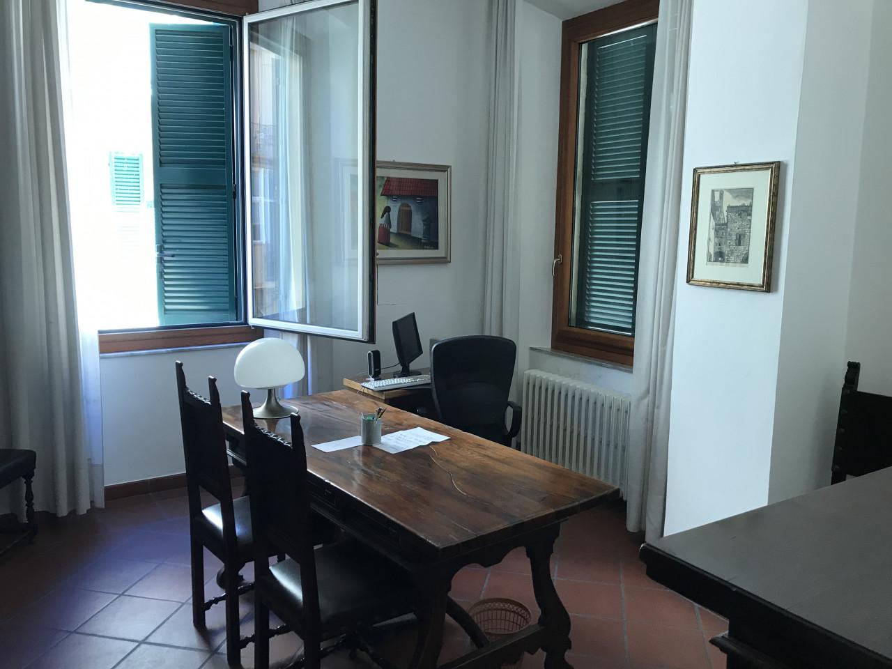 Ancona centro ampio ufficio in affitto – CONSUL CAPITAL