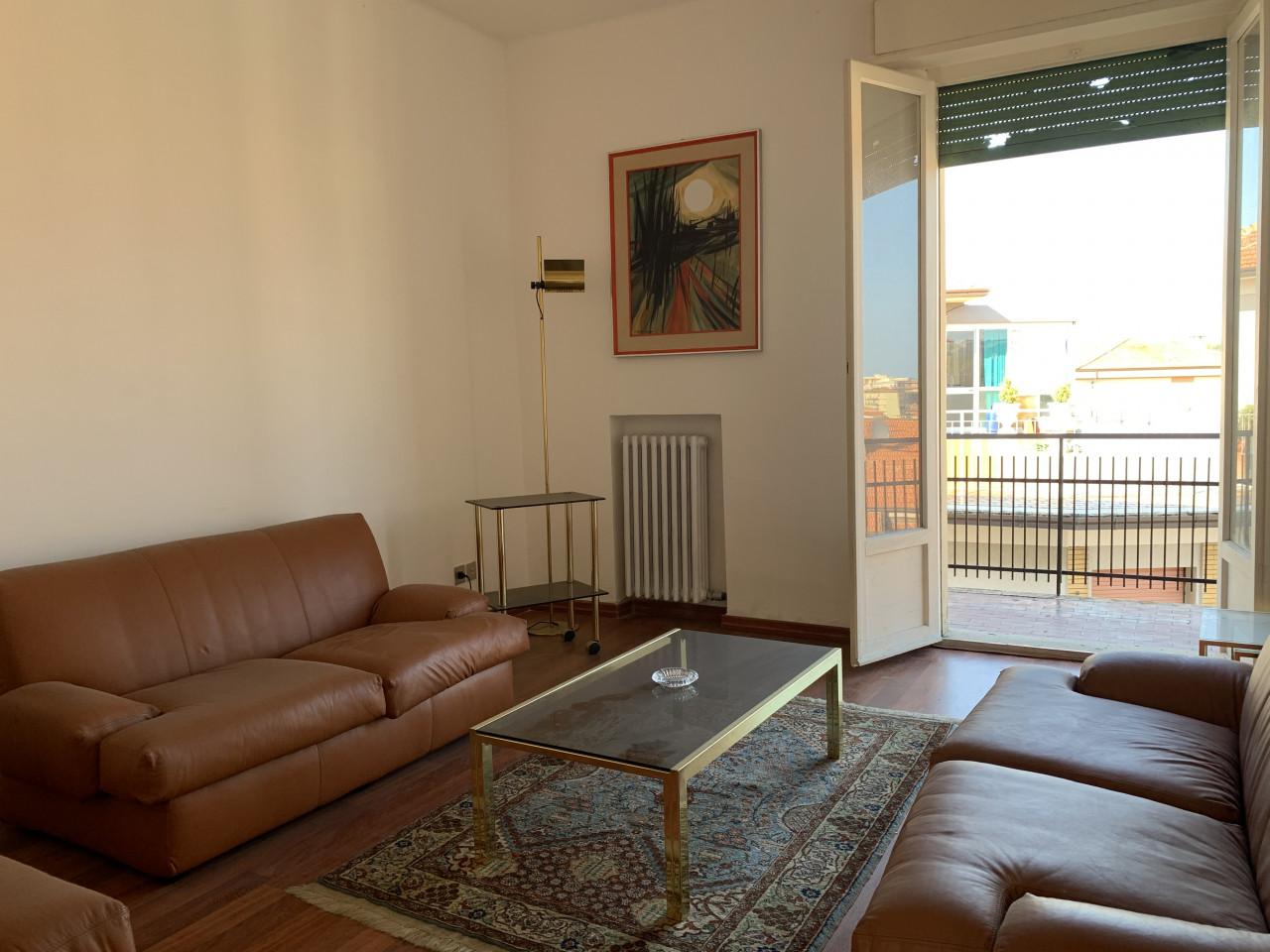 Ancona zona via Cingoli vendiamo appartamento di mq. 80  panoramico e luminoso