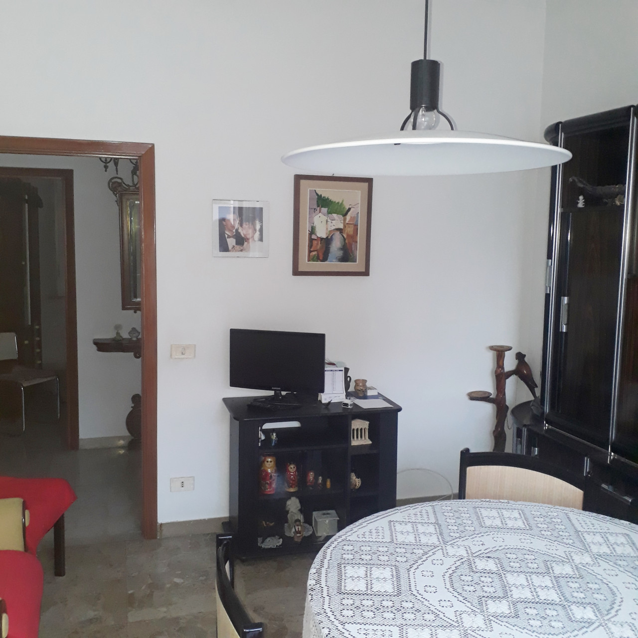 Adriatico, zona panoramica appartamento di mq 90 da sristrutturare internamente.
