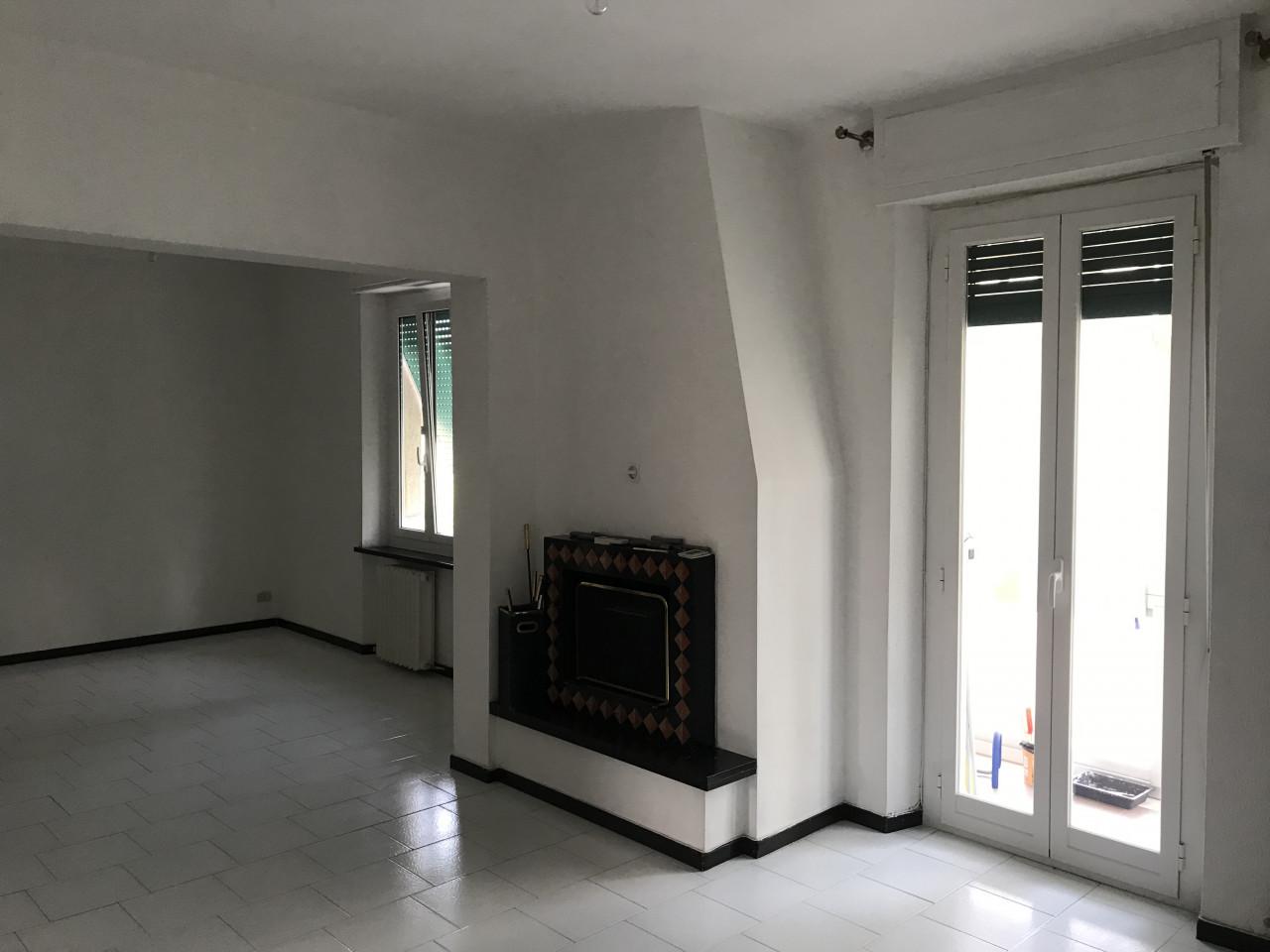 Quartiere Adriatico affittiamo appartamento semi arredato