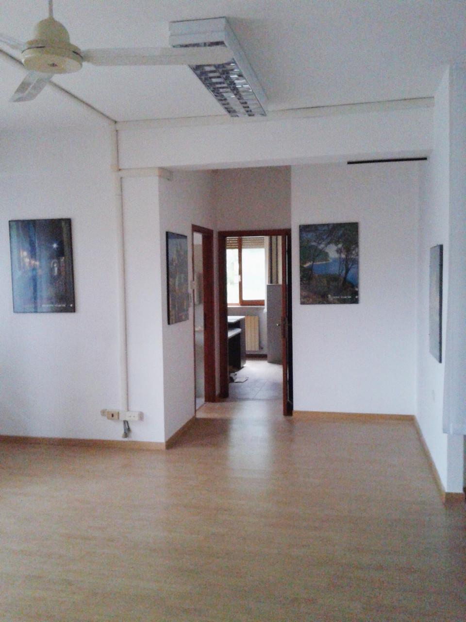 Zona Baraccola, ufficio con ampio terrazzo