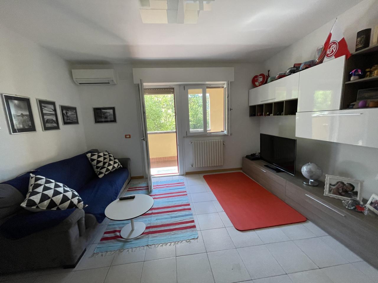 Zona Q2 vendiamo ottimo appartamento mq.100 tre camere, doppi servizi con p.auto
