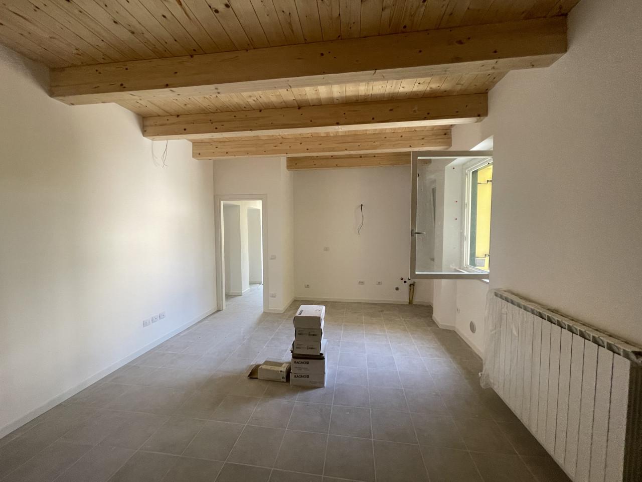 Appartamento completamente ristrutturato in zona semicentrale