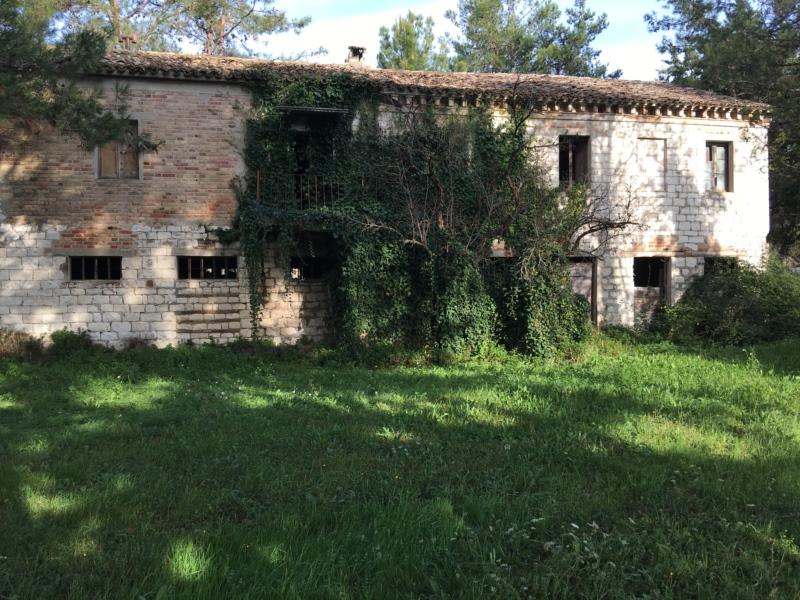 Zona coppo di Sirolo vicinanze golf club  vendiamo Casa colonica in Pietra del conero